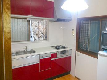 要望通りの収納力のある素敵なキッチンにしていただきました。